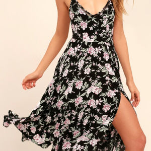 NWT Lulu's Esperenza Floral Midi Dress